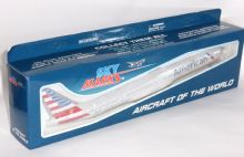 Boeing 777-300 American Airlines Collectors Model Scale 1:200 Skymarks SKR715 p
